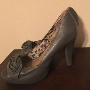 Madden Girl Shoes - Madden girl grey pewter heels