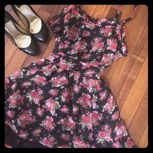 Tripp nyc Dresses & Skirts - Sweet Floral Dress Tripp NYC by Daanng Goodman