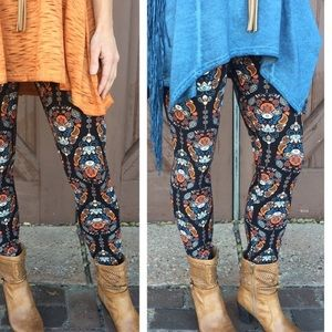 Infinity Raine Pants - Spring Paisley print leggings