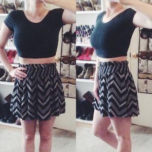 JOE B Dresses & Skirts - Black & White Chevron Skirt