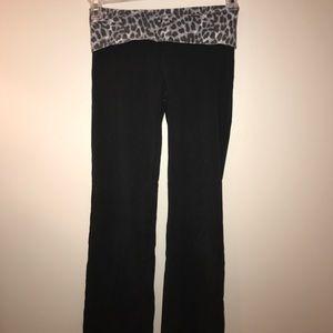 Size S pink yoga pants