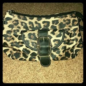 SALE! *Leopard Purse!*
