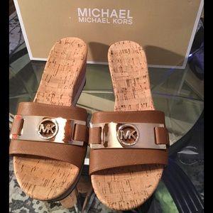 5284fd1519c MICHAEL Michael Kors Shoes - MMK WARREN PLATFORM SANDAL👣