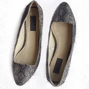 Urban Outfitters Shoes - UO Deena & Ozzy Snakeskin Flats