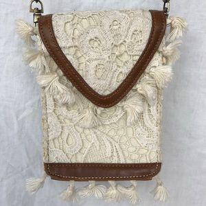 Nila Anthony Handbags - Nila Anthony Crossbody Bag