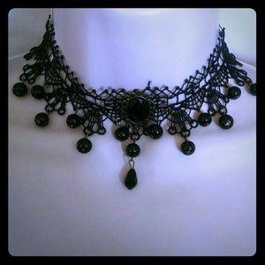 Jewelry - Beautiful black beaded stone lace choker necklace