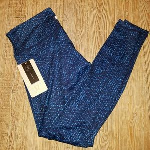 lululemon athletica Pants - Lululemon Wunder Under III Size 10 Samba Snake