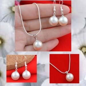 Jewelry - 🌹 Pearl Necklace and Earring Set in 925 Silver 🌹