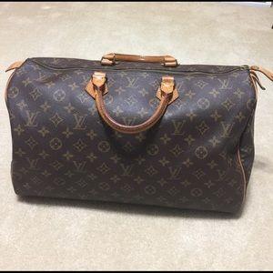 Louis Vuitton Handbags - Authentic Louis Vuitton Monogram Speedy 40 Bag