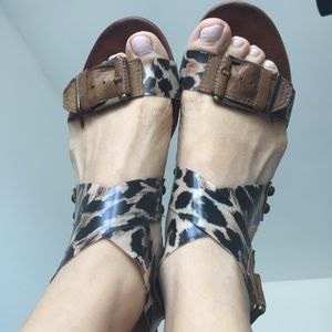 Steve madden leather sandals cheetah plastic strap