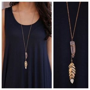 Infinity Raine Jewelry - Gold tone feather stone pendant necklace set
