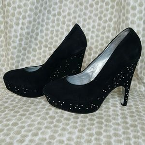 H by Halston Shoes - H by Halston Black Suede Look Heels Size 6
