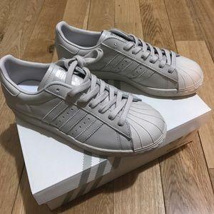 le adidas superstar degli anni '80 poshmark grigio perla.