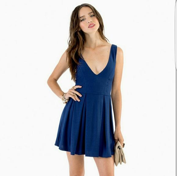 b332c077b51b TOBI Deep V Neck Skater Dress Navy blue. M 58a546332fd0b77c5905ec95