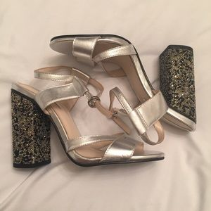 NWOT Zara sequin block heel with silver straps