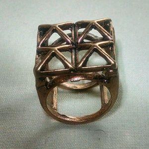 Jewelry - Beautiful Coppertone unique design ring