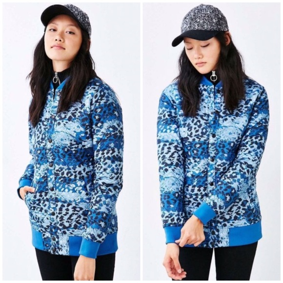 6b9153a637ea North Face Anna Blue Leopard Print Quilted Jacket