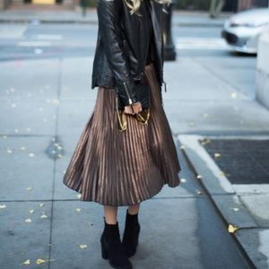 Nordstrom Dresses & Skirts - 🎉HP🎉Metallic Pleated Midi Skirt