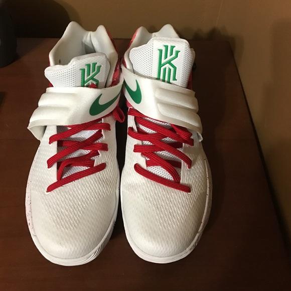 new products 10c11 c0784 Nike Kyrie 2 PRM Krispy Kreme Kyrispy like New
