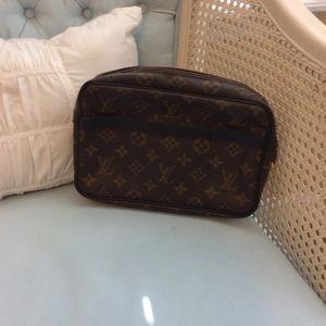Auth Louis Vuitton clutch