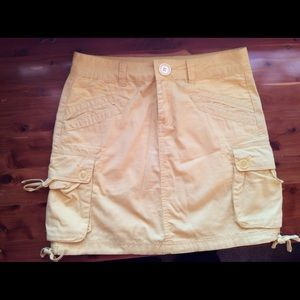 Prana Dresses & Skirts - 🌼Beautiful Buttercup Yellow Cargo Skirt🌼