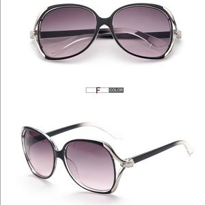 Large Stylish Frame Sunglasses