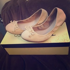 """Restricted Shoes - *BNIB* WOMEN """"RESTRICTED"""" TAUPE BALLET FLATS SZ6.5"""