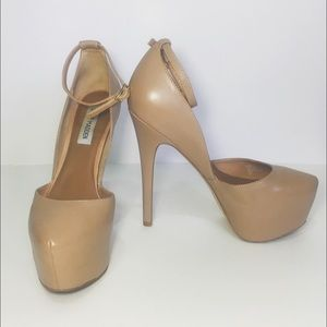 Steve Madden Shoes - ✨ Price drop Today only ✨ Nude Steve Madden Heels