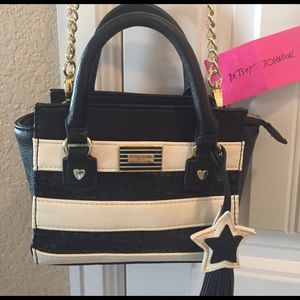 Betsey Johnson Handbags - 🌺NEW! BETSEY JOHNSON MINI SATCHEL CROSS BDY BAG