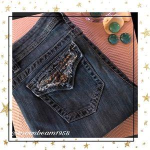 Pants - Women's capris 💕