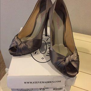 Steve Madden Shoes - Steve Madden Glamorus pewter satin heels- size 7