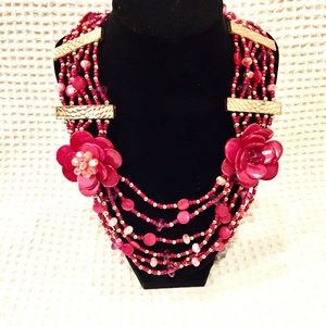 Jewelry - PINK retro necklace