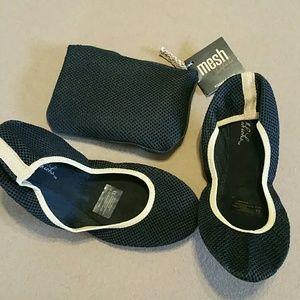 Sidekicks Shoes - JUST IN! Sidekicks foldable black flats. Small 5/6