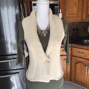 Cabi sweater vest size small