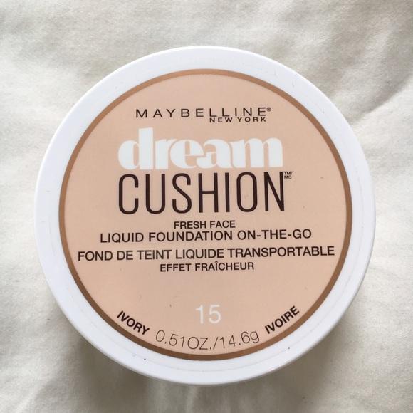 Maybelline Makeup - Set Of Maybelline Foundation & Highlighter 'Ivory'