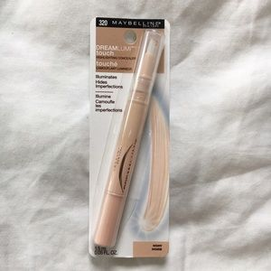 Maybelline Makeup - Set Of Maybelline Foundation & Highlighter 'Ivory'