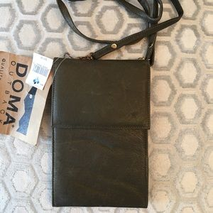 Doma Outback Handbags - 🛍 Doma Outback Green Leather Cross Body Bag