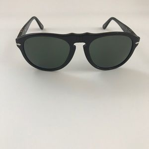 Persol Other - FINAL CHANCE...NIB PERSOL AVIATOR/PILOT SUNGLASSES