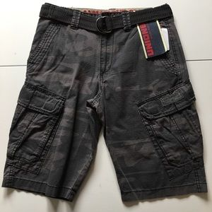 UNIONBAY Other - NWT Charcoal Camp Print Belted Cargo Shorts