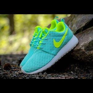 Nike Shoes - 💕💕Nike Roshe Run One Br Artisan Teal Volt💕💕
