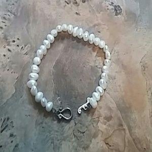 Jewelry - White  sterling Pearl bracelet