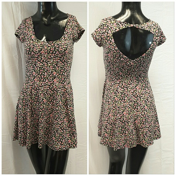 American Eagle Outfitters Dresses & Skirts - AMERICAN EAGLE OUTFITTERS, Floral Dress, size XXS