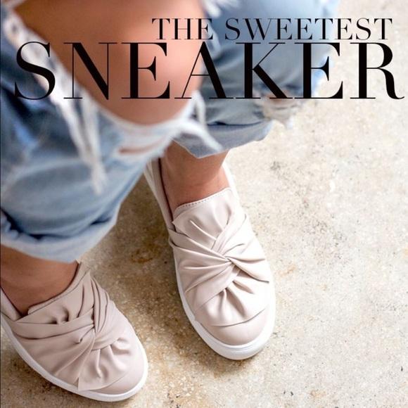 MIA Zoe Bow Sneaker IGXgSDfD