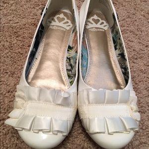 Fergalicious Shoes - Women's fergililous by fergi white shoes