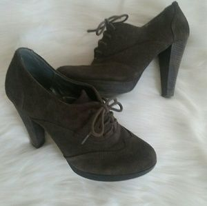 Audrey Brooke Shoes - Brown Suede Heel