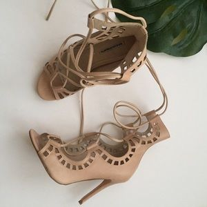windsor smith Shoes - Windsor Smith Lace Up Sandals in Bone Size 41
