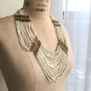 Jewelry - White and gold beaded statement necklace