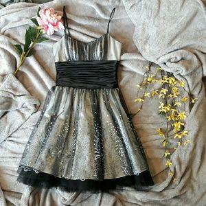 Morgan & Co. Dresses & Skirts - Morgan & Co black short formal dress prom