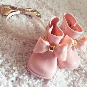 Other - 💕Mini pink rain boots with gold bow 💕