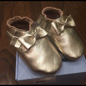Robeez Other - Robeez soft soles gold moccasin